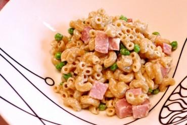 Macaroni in Alfredo Sauce