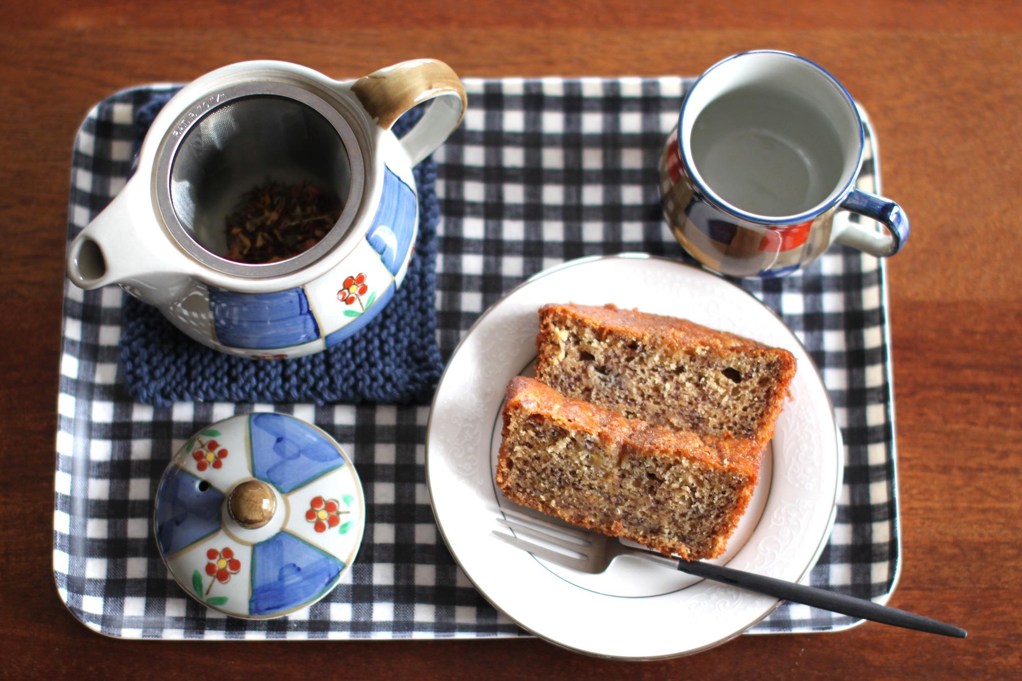 bananacake-tea1